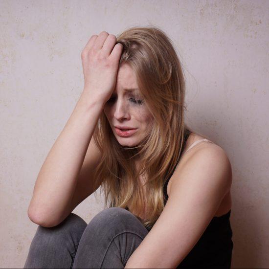 Ung kvinde som ikke har fået hypnose mod angst endnu